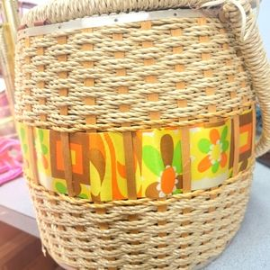 """Vintage 1960s sewing basket 10"""" x 10"""" satin lined plastic coated woven"""
